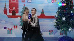 Елена Темникова с дочерью поздравляют телеканал «Карусель» с Новым годом