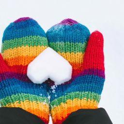 Отгадайте зимние загадки и найдите ответы на картинках!