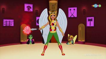 DC девчонки-супергерои. Обращение с оружием 01.10